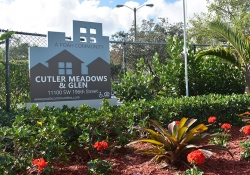Cutler Meadows Glen Apartment welcome sign