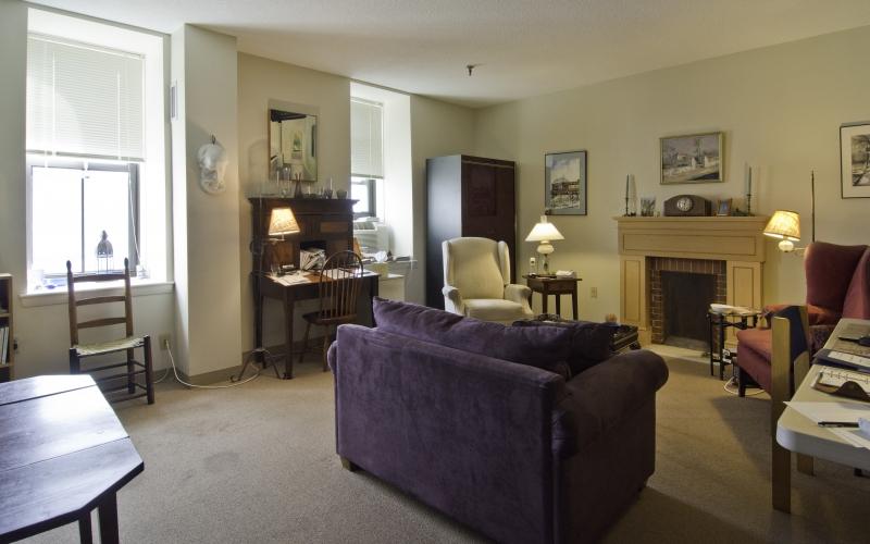 Franklin Square Apartments unit living room