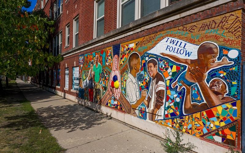 Mural on 852-4 Sunnyside