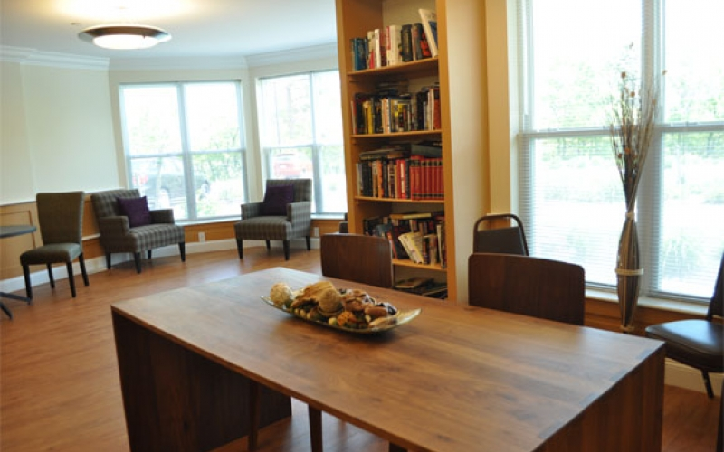 Canal Bluffs community room and library
