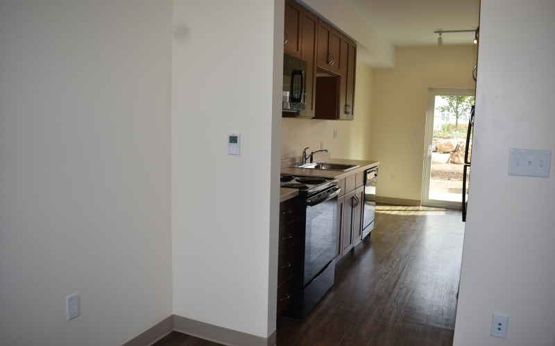High Meadow Townhomes livingroom and kitchen