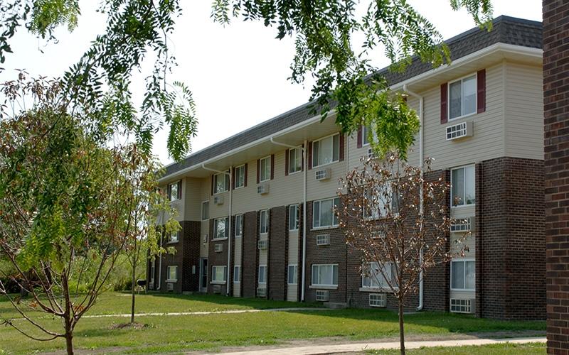 Crestview Village Apartments (IL) building exterior