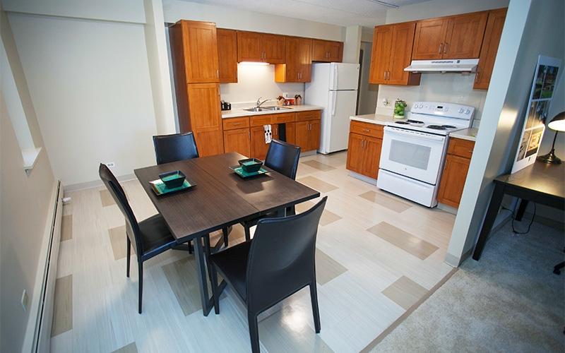 Newberry Park Apartments unit kitchen & dining area
