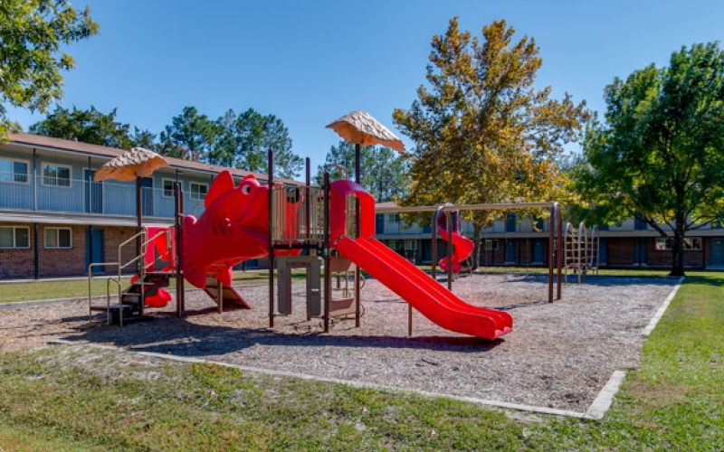 Middletowne Apartments playground