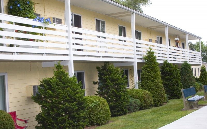 Beachwood exterior and walkways