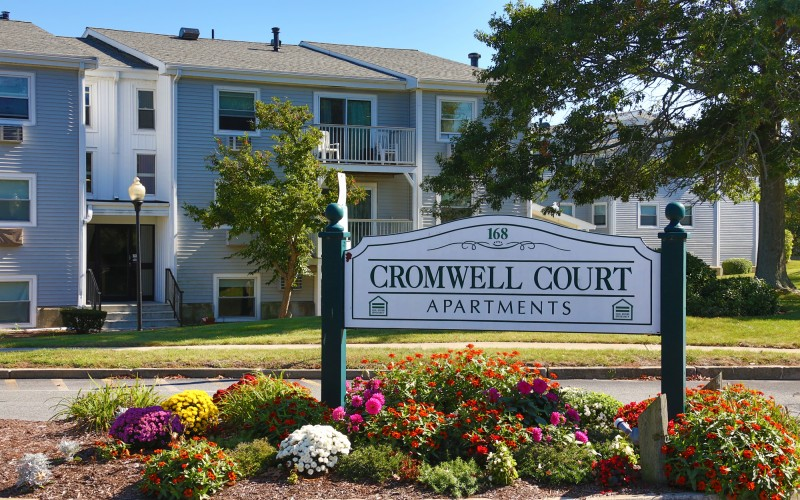 Cromwell Court sign