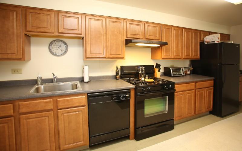 Cromwell Court unit kitchen