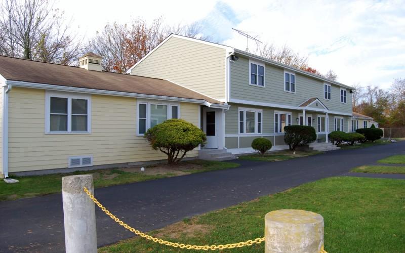 Fieldstone Apartments exterior