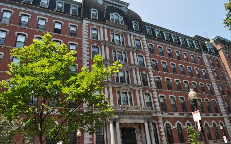 Franklin Square Apartments exterior