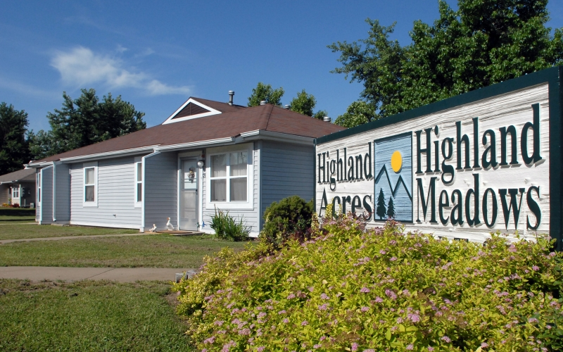 Highland Meadows sign