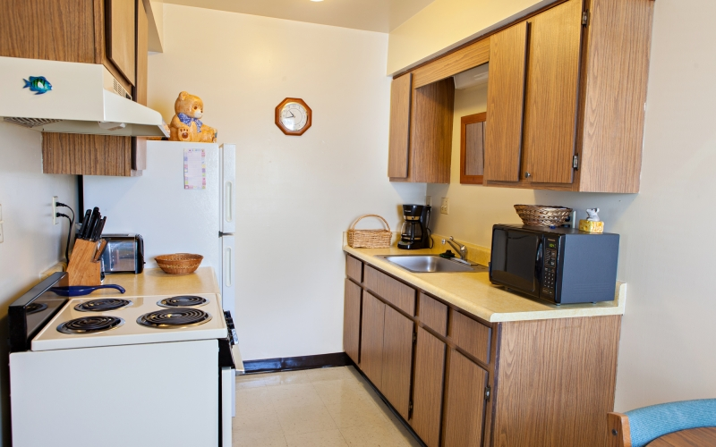 Highland Meadows unit kitchen