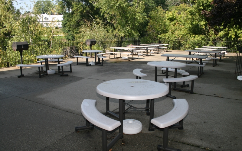 Sugar River Mills outdoor seating area