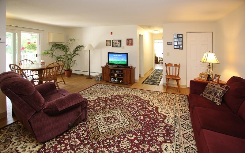 King's Landing unit living room