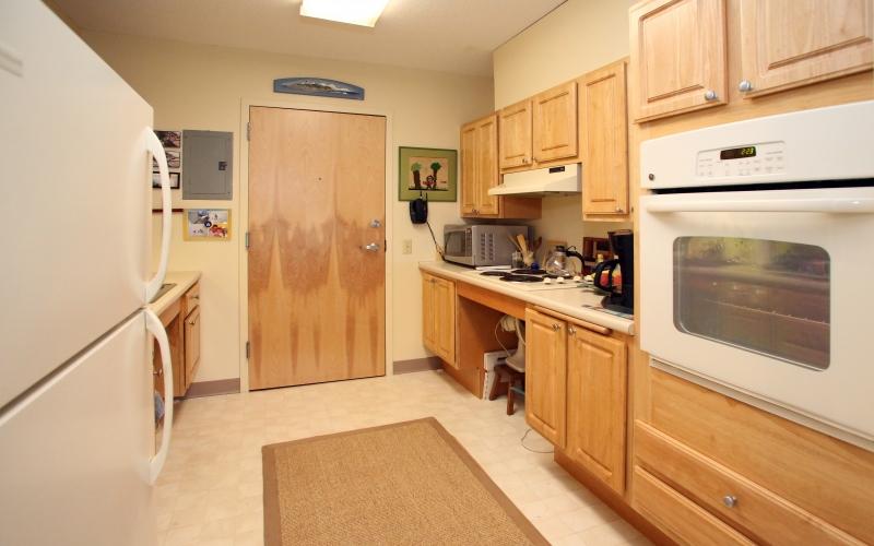 Rock Harbor unit kitchen