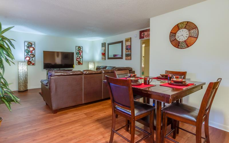 Middletowne Apartments living and dining room