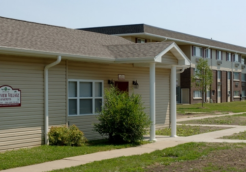 Crestview Village Apartments (IL)